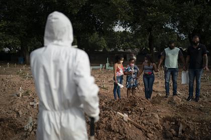 Бразилия приостановила публикацию данных о коронавирусе