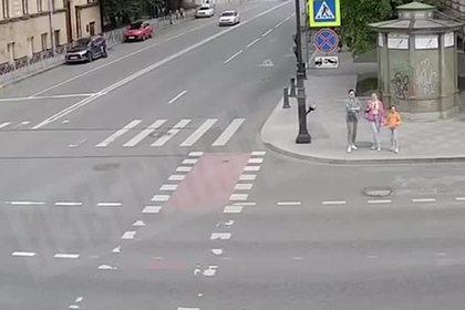 Смертельная авария с участием такси и Ferrari попала на видео