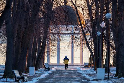 Россиянам предсказали зимы без снега