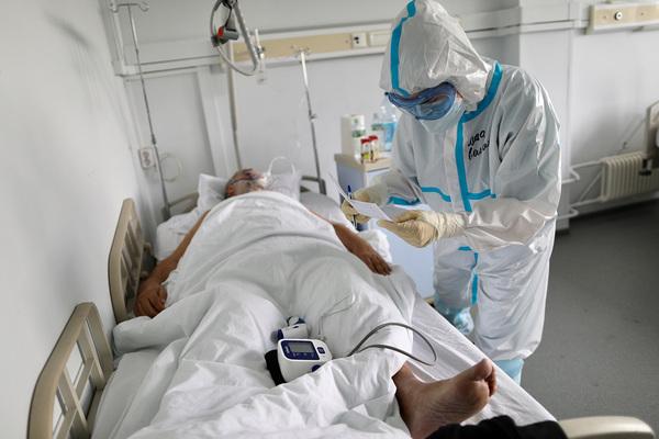 Россию и Китай обвинили в распространении фейков о коронавирусе