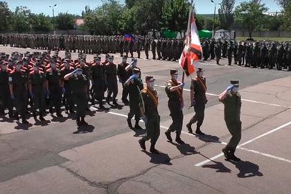В Донецке провели репетицию парада Победы в масках
