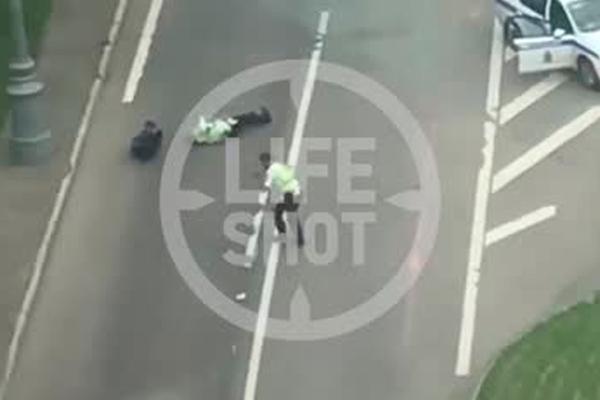 Перестрелка полицейских с таксистом на Ленинском проспекте попала на видео