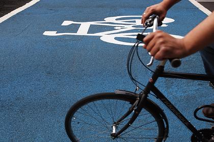 Турист взял велосипед напрокат на Бали и остался без зубов