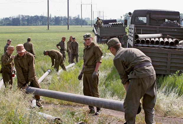 Прокладка водопровода в Крыму после перекрытия шлюзов канала