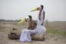 Индийский фотограф Сантану Дей (Santanu Dey) собирает документальные свидетельства о родоплеменной общине бедийя, которая не дает угаснуть древнему искусству, известному на Индийском субконтиненте как бахурупи. Само это слово состоит из двух частей — «баху» (много) и «рупа» (формы). Бедийя принадлежат к касте неприкасаемых и могут рассчитывать только на самую низкооплачиваемую работу. Чтобы заработать на пропитание, они разъезжают по всей стране с представлениями на темы индийской мифологии.  <br> <br> Нынешние поколения уже плохо помнят героев мифов, да и сами бедийя постепенно утрачивают самобытность. Модернизация и урбанизация делают свое дело: людей больше не интересуют мифы. «Я вижу свою задачу в том, чтобы в рамках проекта с помощью бахурупи попытаться сохранить память о могучих богах и героях индийской мифологии», — говорит Сантану.