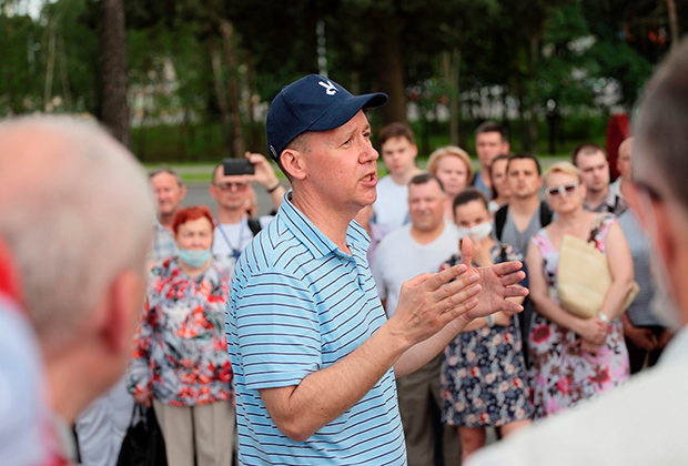Валерий Цепкало на встрече с избирателями в Борисове