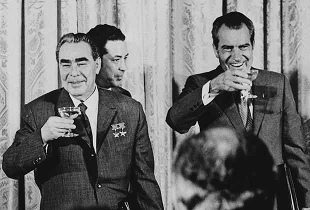Генеральный секретарь ЦК КПСС Леонид Брежнев и президент США Ричард Никсон, 1972 год