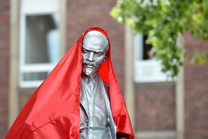 На западе Германии установили первый памятник Ленину