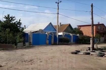 Соседка рассказала о замуровавшей сына в бетон россиянке