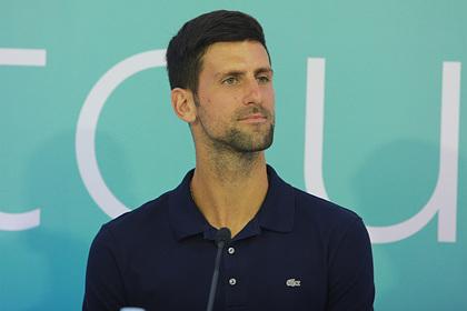 Лучший теннисист мира отверг тест на коронавирус вопреки вспышке на его турнире