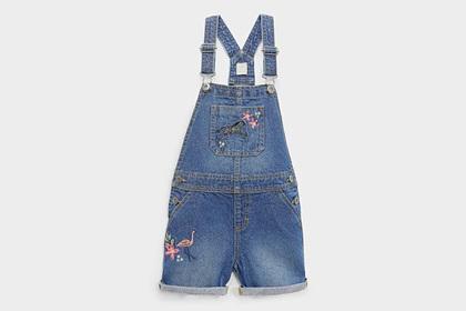 Кейт Миддлтон нарядила детей в дешевую одежду для праздничного фото