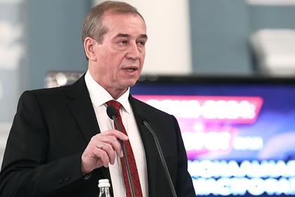 Уволенный Путиным губернатор попросил президента допустить его к выборам