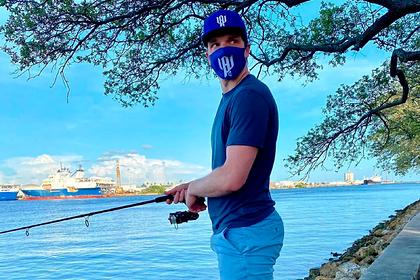Российский игрок НХЛ поймал акулу