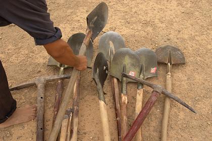 Нарушившая карантин женщина оказалась заживо погребена под тоннами песка