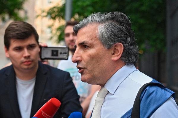 Адвокат Ефремова назвал способ избежать смертельного исхода в ДТП