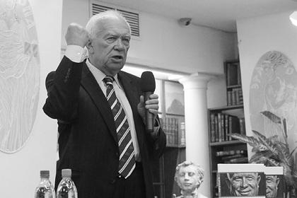 Сын Никиты Хрущева покончил с собой в США