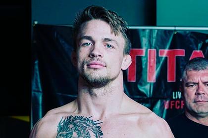 Новичок UFC объяснился за многократные просьбы остановить бой