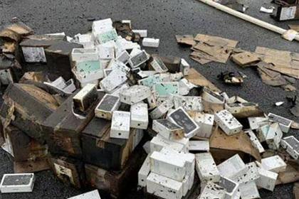 Грузовик с тысячами iPhone перевернулся и сгорел