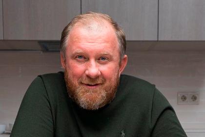 Известный российский телеведущий развелся с женой после 23 лет брака