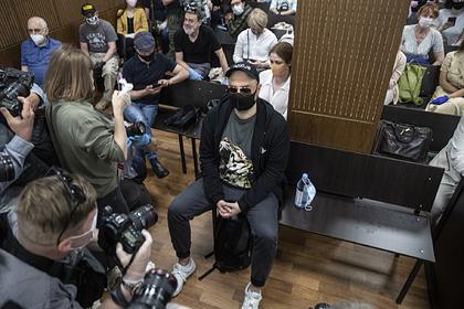 Суд взыскал с Серебренникова и коллег 129 миллионов рублей