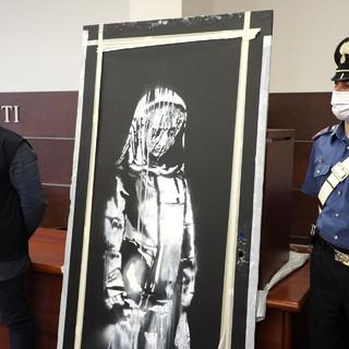 Дверь с картиной Бэнкси, обнаруженная в Италии