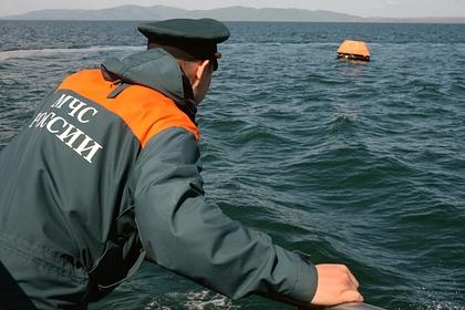 Спасатели нашли пропавших в море на матрасе двух россиян