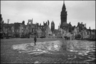 Руины разбомбленного города. Франция, 1940 год.