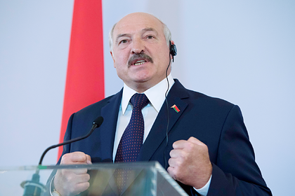 Лукашенко призвал задуматься о фейковой теории возникновения коронавируса