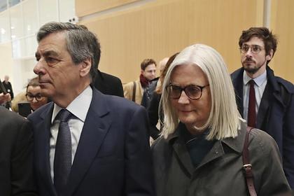 Бывшего премьер-министра Франции приговорили к пяти годам тюрьмы