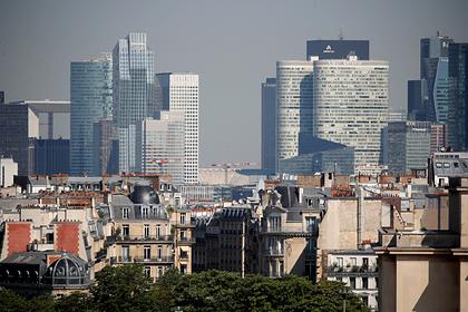 Вызвавшая панику полицейская операция в деловом районе Париже попала на видео