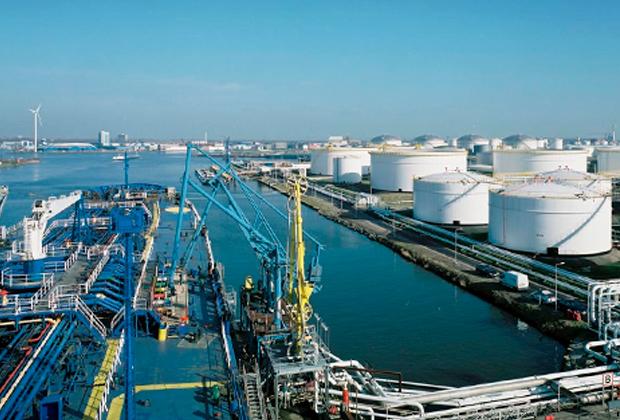 Нефтегазовый хаб в Роттердаме