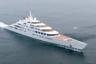 Самой большой в настоящее время частной моторной мегаяхтой считается Azzam — корпус судна достигает 180 метров, что приблизительно равняется линейным размерам двух футбольных полей. Имя покупателя, спустившего на лодку как минимум 600 миллионов долларов, держится в секрете, однако есть данные, что им стал президент ОАЭ Халифа Аль Нахайян. <br></br> Еще один рекорд белоснежного гиганта — сроки возведения: год проектирования и три года строительства на верфи Lurssen по проекту Nauta Yachts. Изысками внутренних убранств занимался французский дизайнер Кристоф Леони, предпочитающий работу в стиле ампир. <br></br> По слухам, Azzam имеет свою собственную систему противоракетной обороны и пуленепробиваемую спальню, а также способна развивать скорость свыше 30 узлов, или 56 километров в час, что делает ее одной из самых быстрых яхт на планете.