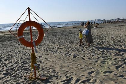Появились кадры с места гибели закопанного в песок ради шутки ребенка в Анапе