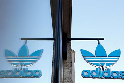Женщина 23 года работала в Adidas, высказалась о расизме и была уволена
