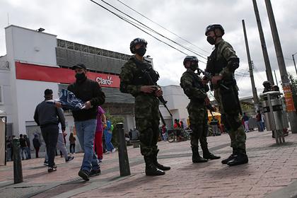 Колумбийских солдат массово обвинили в насилии над несовершеннолетними