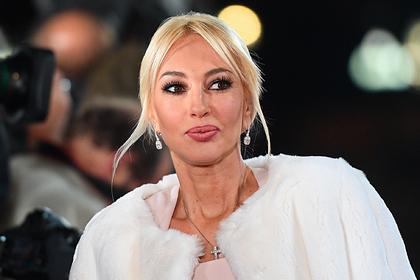 Лера Кудрявцева выругалась на телефонного мошенника и записала видеообращение