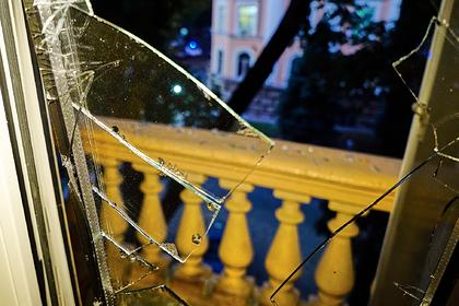 Осколок оконного стекла упал и убил ребенка в Подмосковье