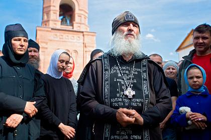 Захвативший монастырь опальный священник выдвинул условие РПЦ
