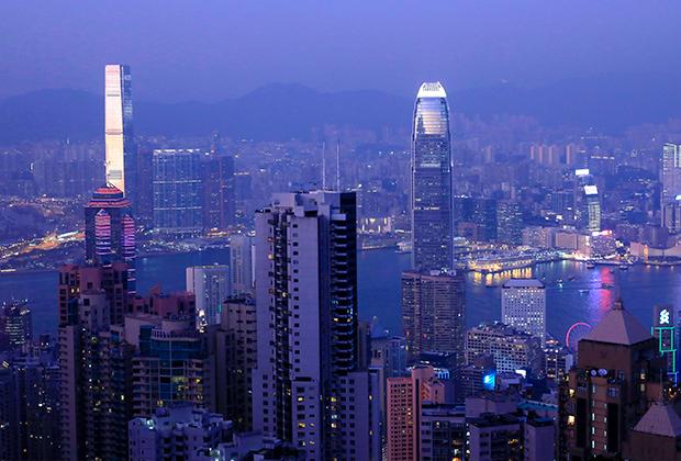Небоскребы Гонконга на высочайшей точке района Виктория-Пик