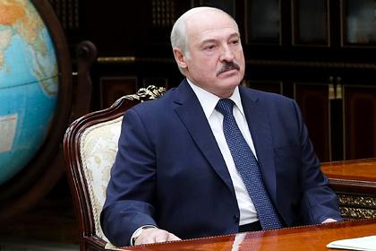 Лукашенко предупредил белорусов о последствиях переворота
