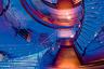 В недрах стального корпуса восьмипалубной Dubai — площадка для вертолетов массой практически до десяти тонн, джакузи, убранный плиткой ручной работы бассейн и центральная винтовая стеклянная лестница, способная менять цвет в зависимости от освещения.