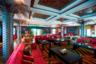 Помимо двухуровневой палубы для хозяина и его близких на суперъяхте размещены гостевые каюты и помещения для экипажа — всего для 115 человек, — а также общие помещения и так называемые VIP-комнаты.