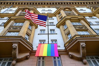 Путин прокомментировал появление флага ЛГБТ на американском посольстве в Москве