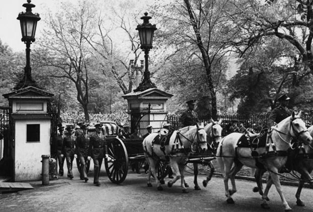 Траурная процессия на похоронах Франклина Рузвельта, 15 апреля 1945 года