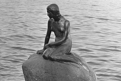 Статую Русалочки в Копенгагене посчитали расистской