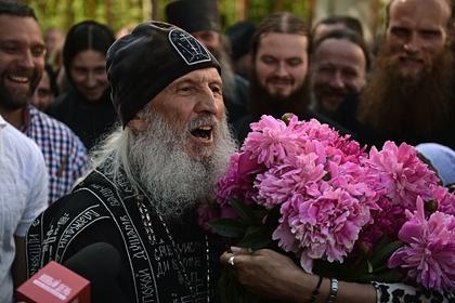 В РПЦ дали характеристику лишенному сана опальному священнику