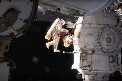 Космический мусор вынудил МКС изменить орбиту