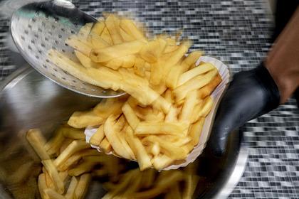 Старушка случайно приготовила картошку на смазке вместо масла и умерла