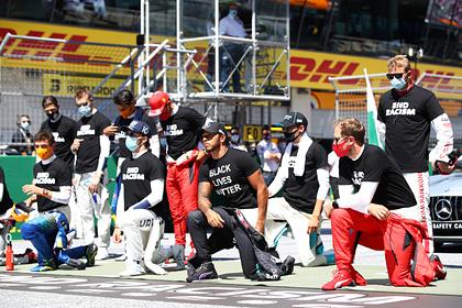 Квят и еще пятеро гонщиков «Формулы-1» отказались вставать на одно колено