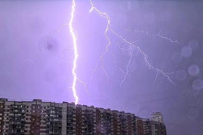 Россиянам предрекли опасные погодные явления